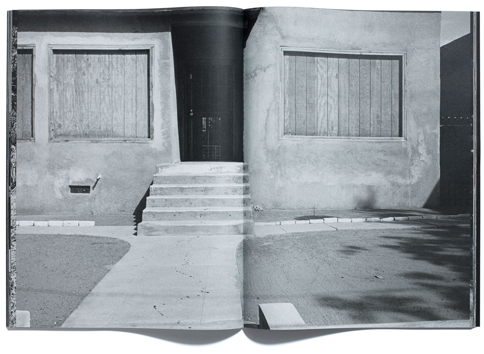 Foreclosures, Bruce Gilden, published by Browns Editions, designed by Browns Design